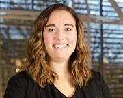 University of Oregon's Lundquist College of Business Recognizes Former Knights Intern.